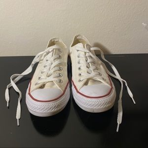 NEVER WORN Chuck Taylor white converse